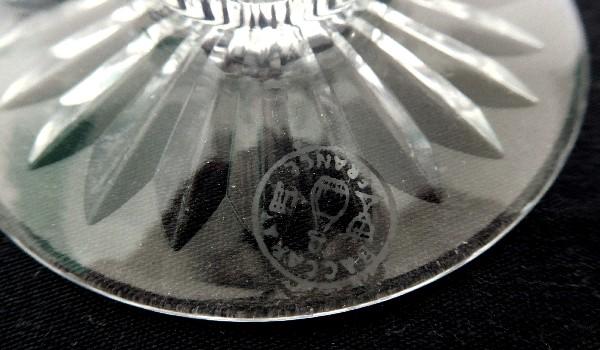 Verre à eau en cristal de Baccarat, modèle Colbert - signé - 17cm