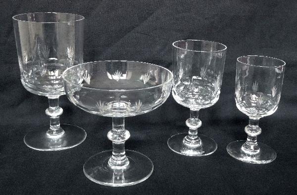 Verre à eau en cristal de Baccarat, modèle à écailles et palmettes - 13,5cm