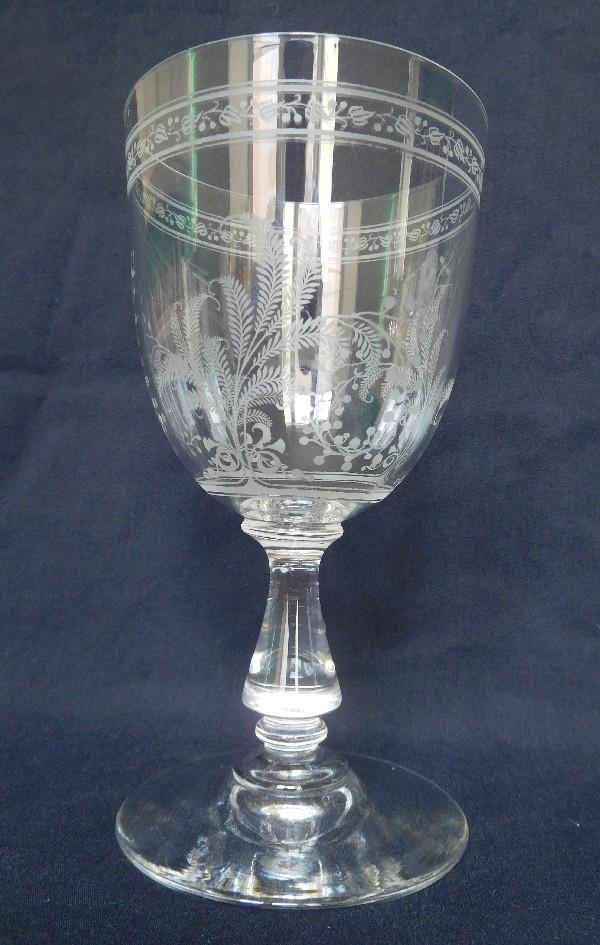 Verre à vin en cristal de Baccarat, modèle Fougères 12cm