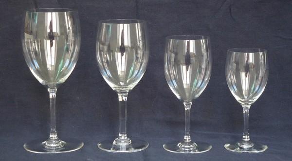 Verre à vin en cristal de Baccarat, modèle Haut-Brion - signé - 13,5cm