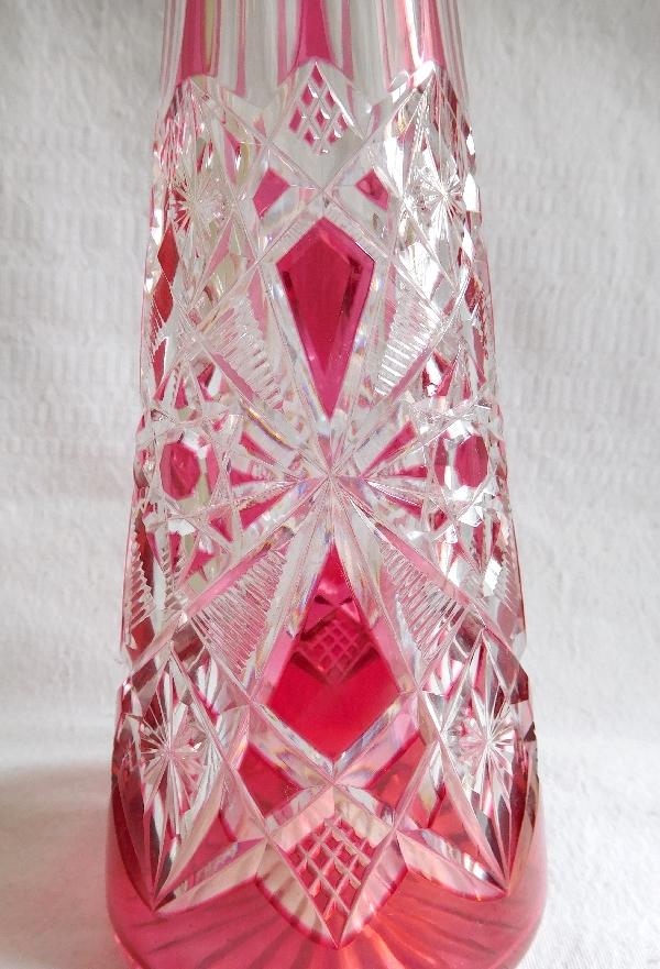 Carafe à liqueur en cristal de Baccarat overlay rose, modèle Lagny