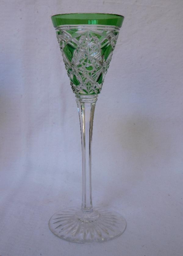 Verre à liqueur en cristal de Baccarat, modèle Lagny overlay vert