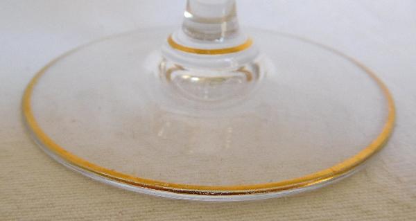 Verre à eau en cristal de Baccarat, modèle Louis XV rehaussé à l'or fin