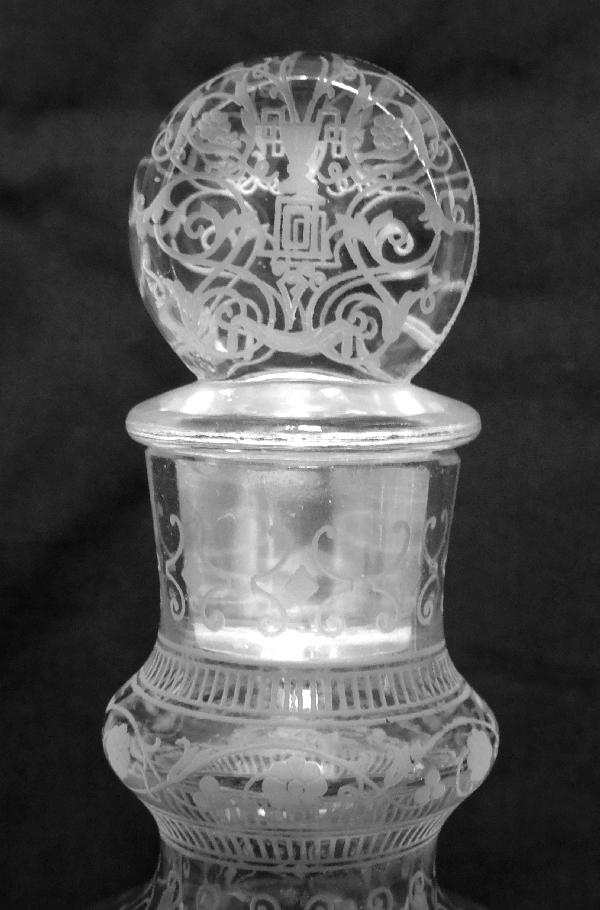Carafe / flacon en cristal de Baccarat, modèle Michelangelo (Michel Ange) - signée