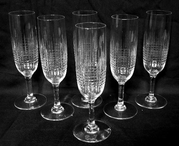 Flûte à champagne en cristal de Baccarat, modèle Nancy - signée