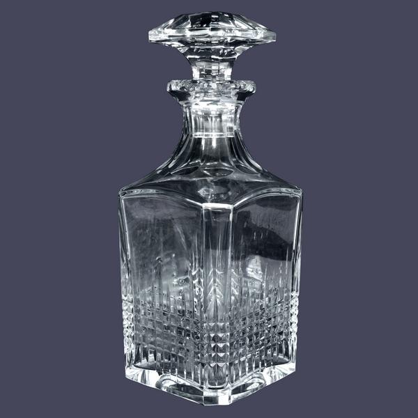 Carafe à whisky en cristal de Baccarat, modèle Nancy - signée