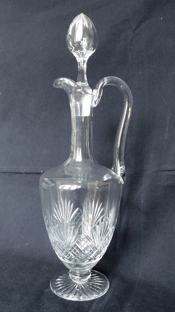 Aiguière / carafe en cristal de Baccarat, modèle à palmettes conique