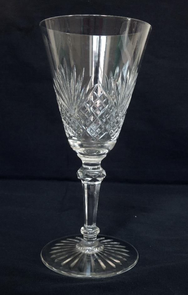Verre à vin en cristal de Baccarat, modèle à palmettes conique - 13,8cm