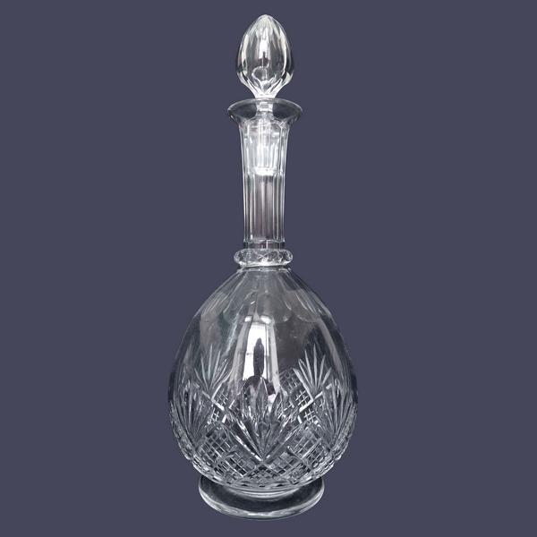 Carafe à eau en cristal de Baccarat, modèle à palmettes et jambe gondole