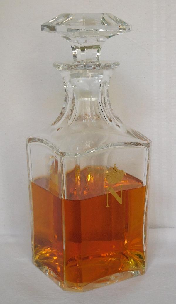 Flacon à cognac / whisky en cristal de Baccarat, modèle Perfection Napoléon - signée