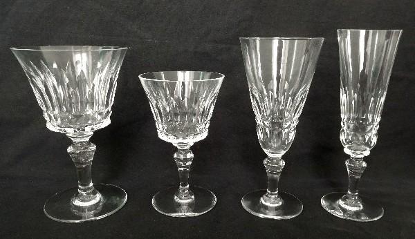 Verre à eau en cristal de Baccarat, modèle Piccadilly - signé - 15cm