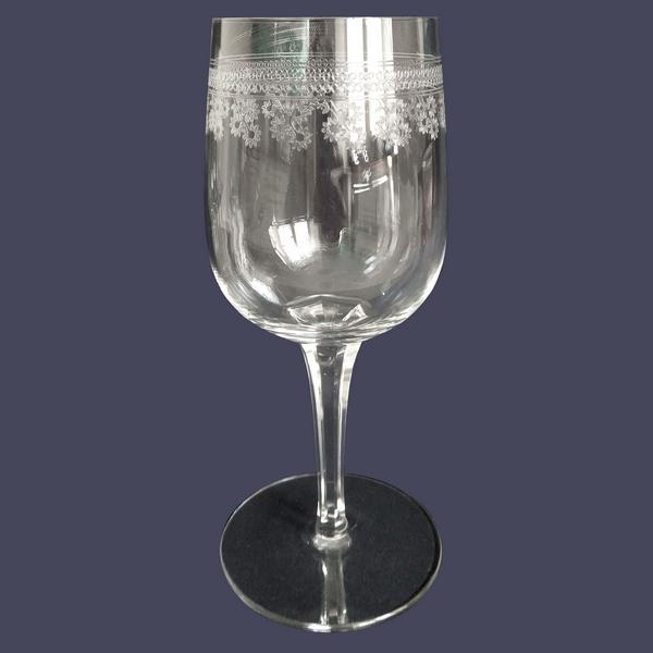 Verre à vin en cristal de Baccarat, modèle Pompadour - 14,2cm