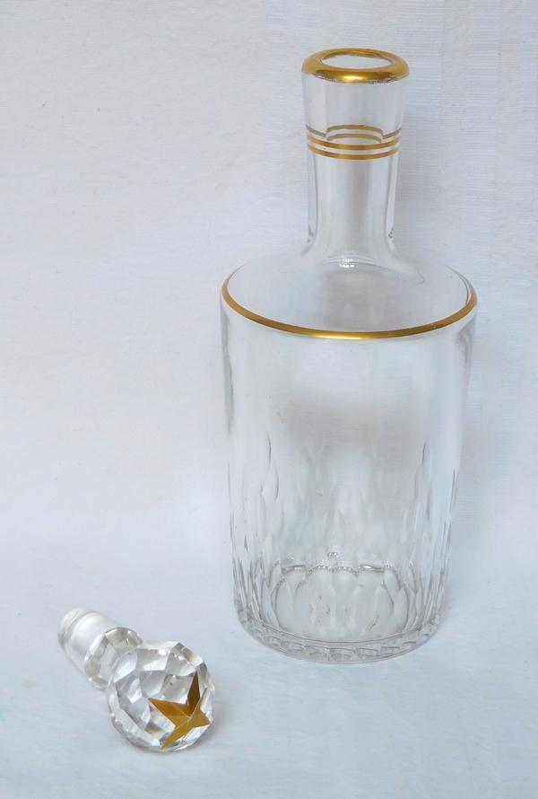 Carafe à liqueur en cristal de Baccarat, modèle Richelieu, format cylindrique rehaussé à l'or fin