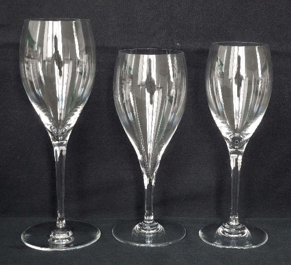 Verre à vin en cristal de Baccarat, modèle Saint Rémy - signé - 18,4cm
