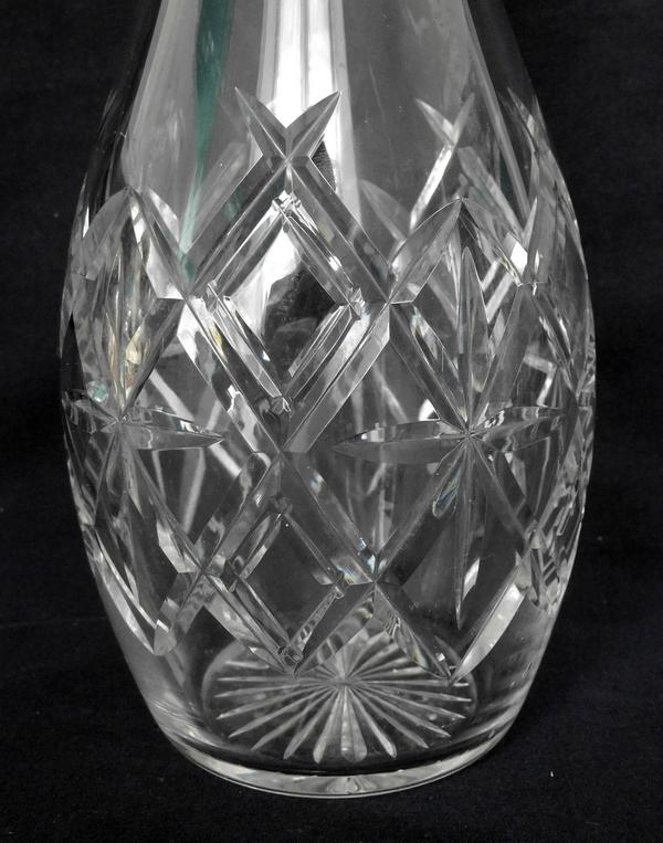 Carafe en cristal de Baccarat, modèle en cristal taillé forme 11432, taille 12464
