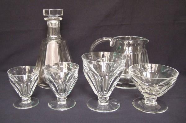 Pichet / broc à eau en cristal taillé de Baccarat, modèle Talleyrand (dérivé d'Harcourt), signé