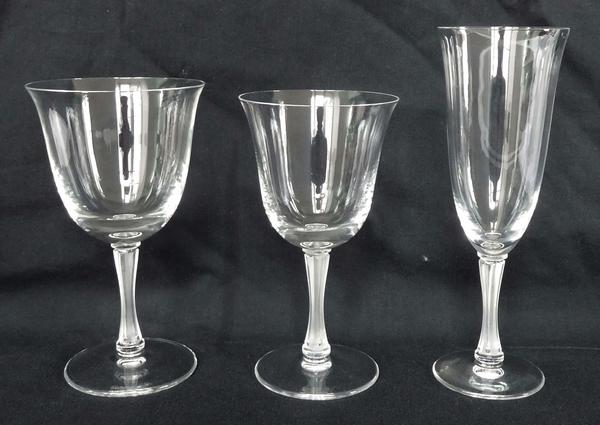 Flûte à champagne en cristal de Lalique, modèle Barsac - signée