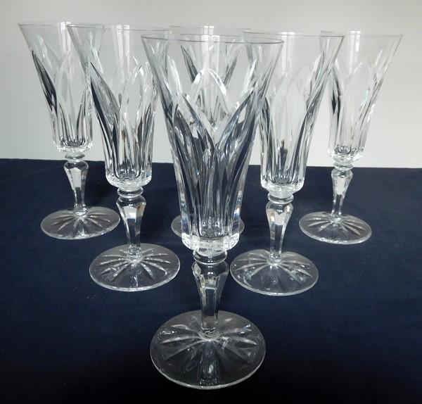 Flûte à champagne en cristal de Saint Louis, modèle Camargue - signée