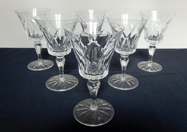 Verre à eau en cristal de Saint Louis, modèle Camargue - signé - 15,3cm