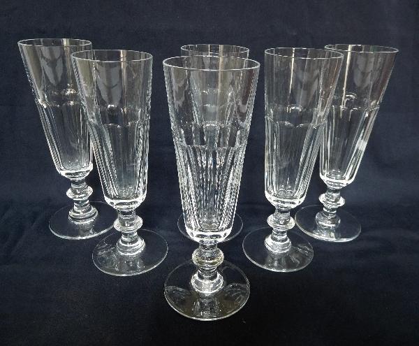 Flûte à champagne en cristal de Saint Louis, modèle Caton - signée
