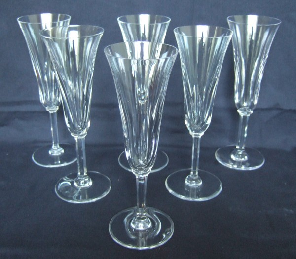 fl te champagne en cristal de st louis mod le cerdagne sign e. Black Bedroom Furniture Sets. Home Design Ideas