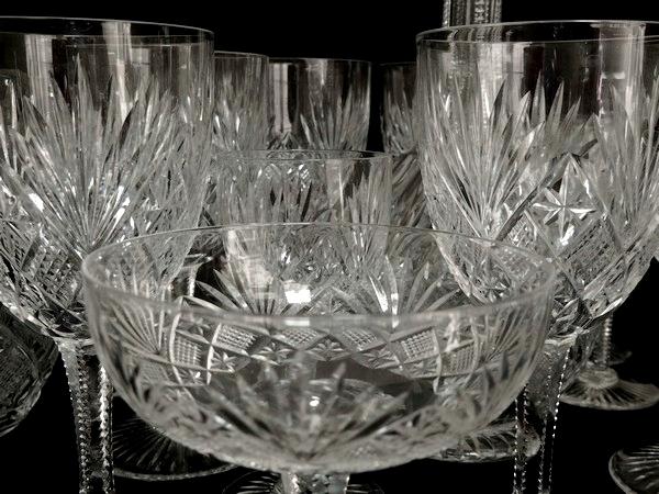 Flûte à champagne en cristal taillé de St Louis, modèle Gavarni
