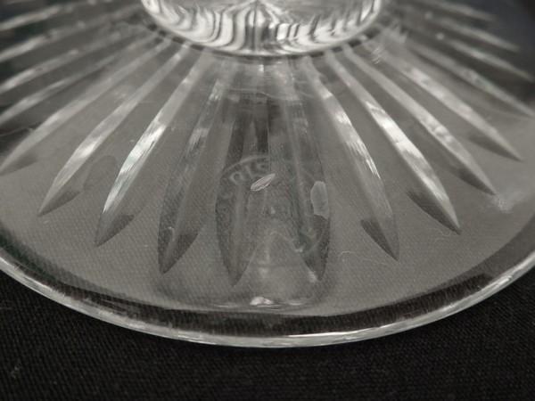 Verre à eau en cristal taillé de St Louis, modèle Gavarni - signé - 16,4cm