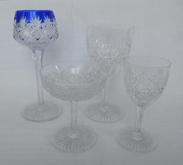 Coupe à champagne en cristal de Saint Louis, modèle Gavarni