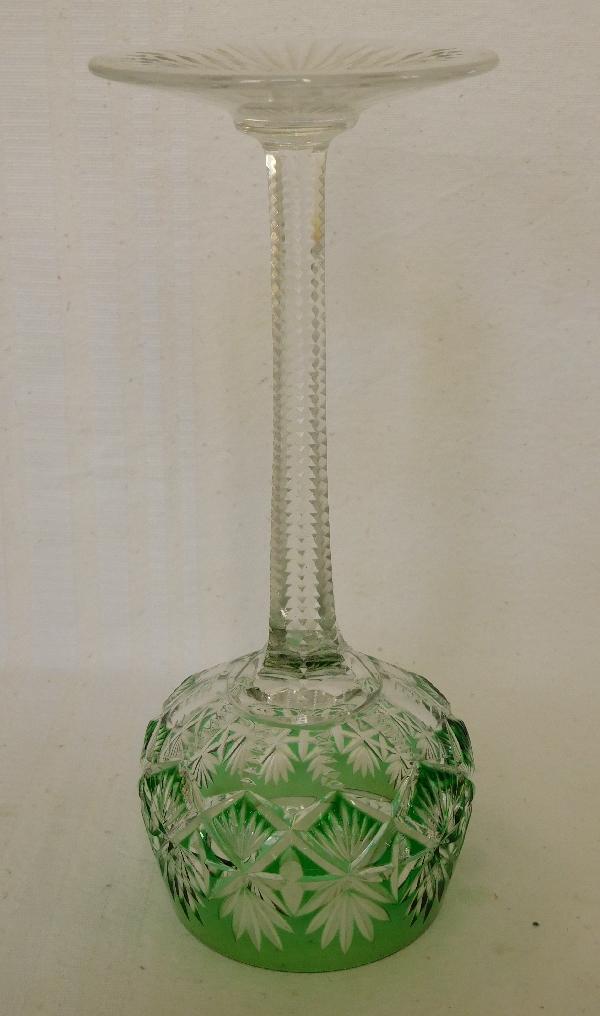 Verre à vin du Rhin en cristal de Saint Louis overlay vert, modèle Gavarni