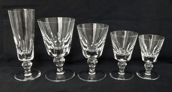 Flûte à champagne en cristal de St Louis, modèle Jersey - signée