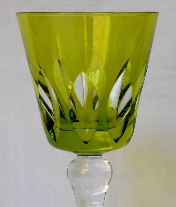 Verre à vin du Rhin / roemer en cristal de St Louis overlay vert chartreuse / anis, modèle Jersey - signé