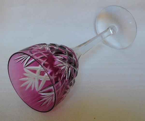 Verre à vin du Rhin en cristal de St Louis overlay violine, modèle Lothaire