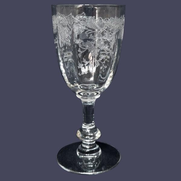 Verre à eau en cristal de Saint Louis, modèle Massenet à côtes vénitiennes gravé - 16cm