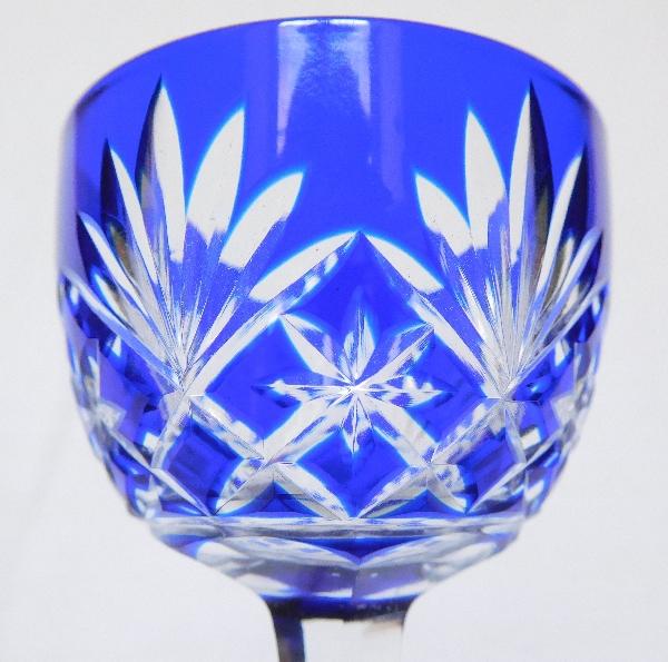 Verre à liqueur en cristal de St Louis, modèle Massenet, cristal overlay bleu cobalt