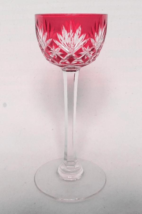 Verre à liqueur en cristal de St Louis, modèle Massenet, cristal overlay rose
