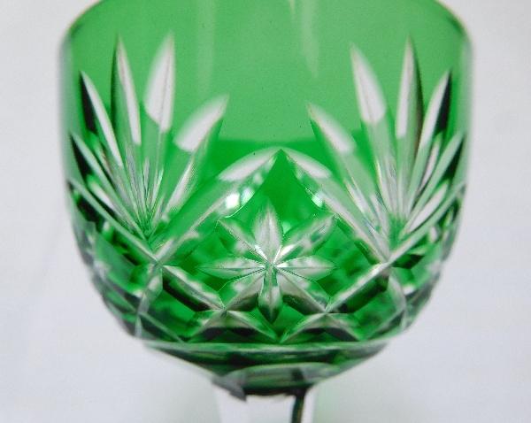 Verre à liqueur en cristal de St Louis, modèle Massenet, cristal overlay vert
