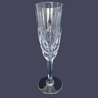 Flûte à champagne en cristal de Saint Louis, modèle Monaco - signée