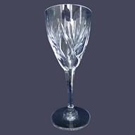 Verre à eau en cristal de Saint Louis, modèle Monaco - signé - 17,5cm