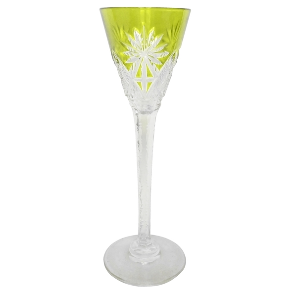 Verre à liqueur en cristal de Saint Louis, modèle Nelly, cristal overlay jaune