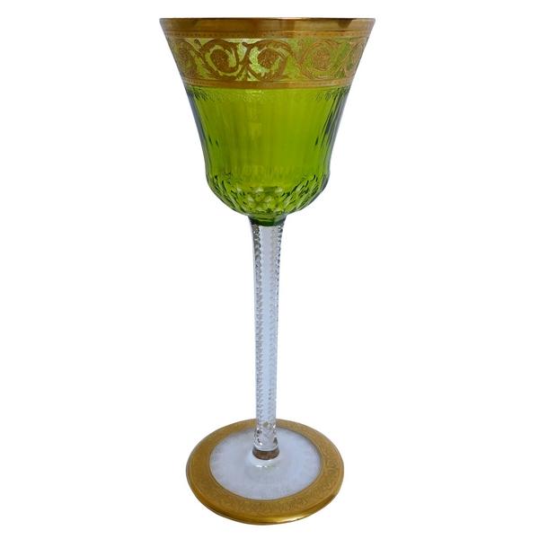 Verre à vin du Rhin en cristal de Saint Louis, modèle Thistle or couleur vert chartreuse - signé - 20,7cm