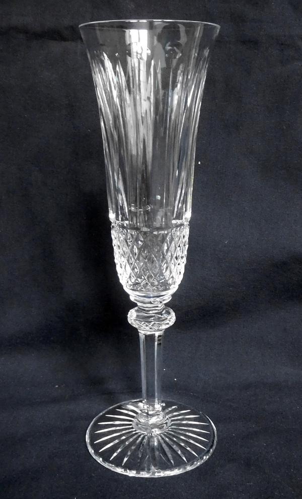 Flûte à champagne en cristal de St Louis, modèle Tommy - signée
