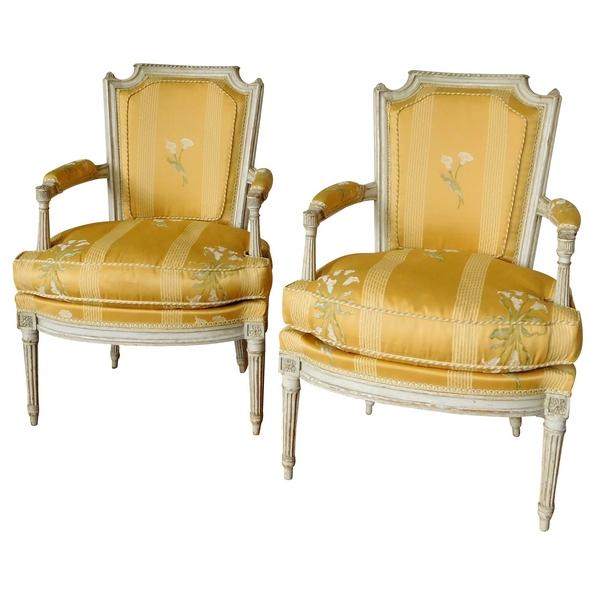Pluvinet : paire de fauteuils cabriolets d'époque Louis XVI finement sculptés, estampillés