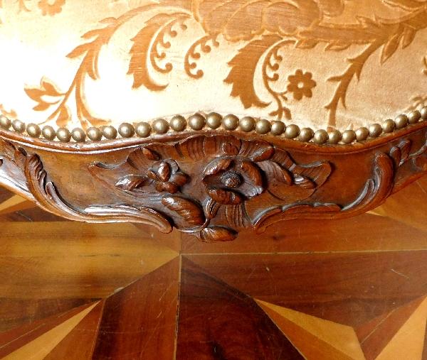 Salon de 4 fauteuils à la Reine d'époque Louis XV - travail lyonnais attribué à Pierre Nogaret