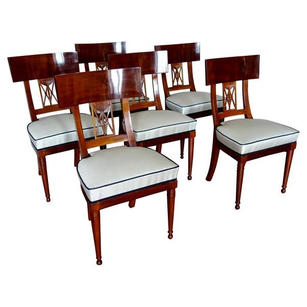 6 chaises de salle à manger Klismos en acajou, époque Consulat Empire vers 1800