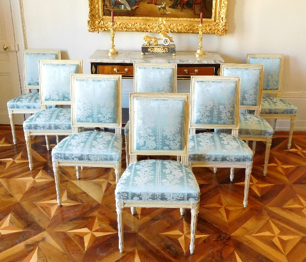 Bon Suite De 8 Chaises De Salle à Manger De Style Louis XVI, Garniture De Soie  Bleue