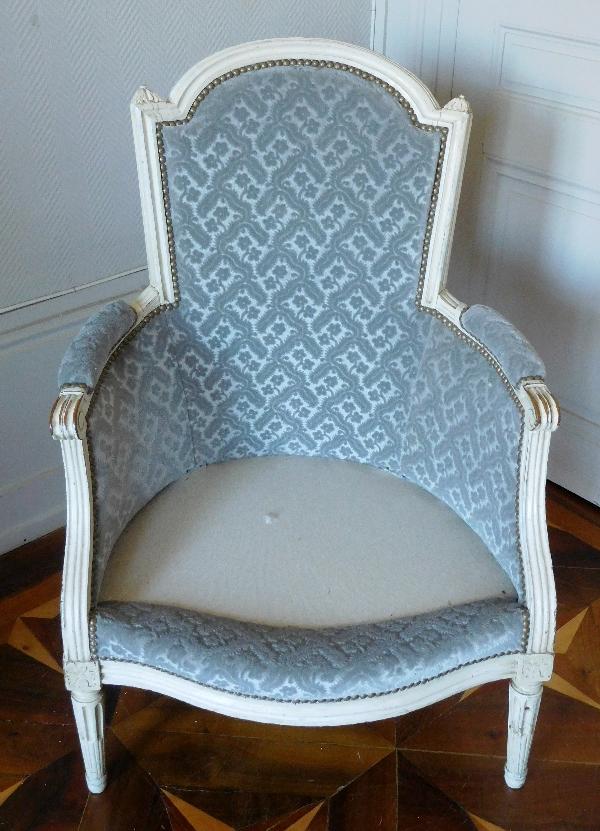 Bergère d'époque Louis XVI, velours frappé gris clair