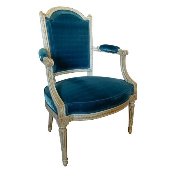 Fauteuil cabriolet d'époque Louis XVI très finement sculpté - velours de soie bleu ardoise