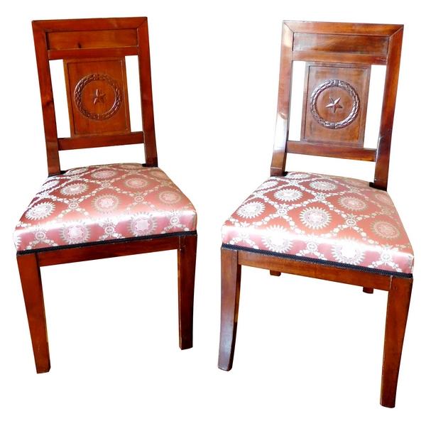 Paire de chaises en acajou d'époque Consulat - Empire, garniture de soie