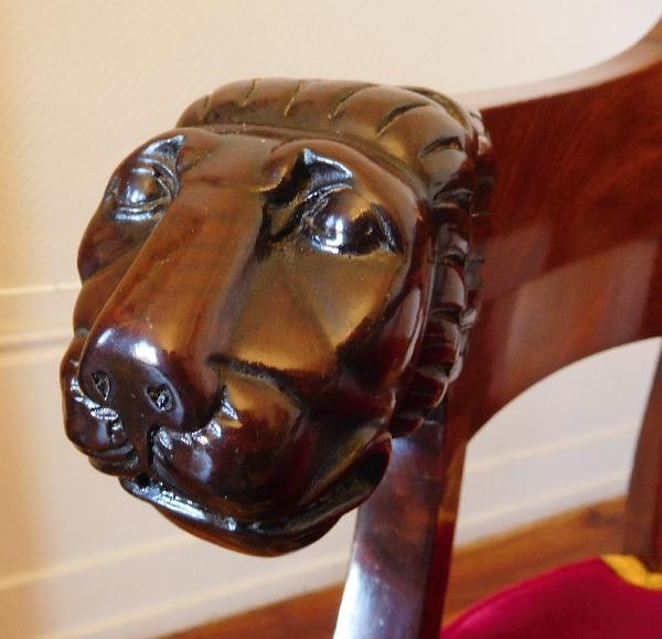 Fauteuil de bureau époque Empire en acajou à têtes de lion