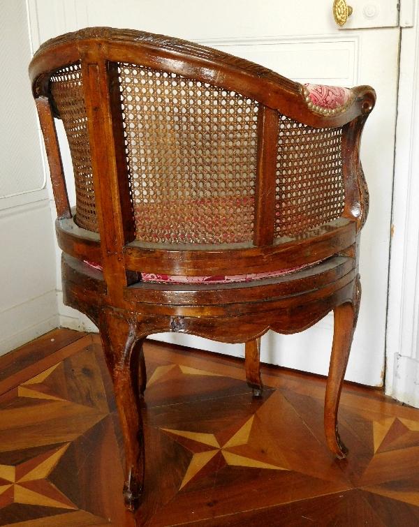 Fauteuil de cabinet / fauteuil de bureau en noyer d'époque Régence